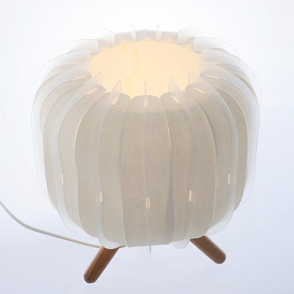 Nouvelle lampe de chevet ou à poser blanche